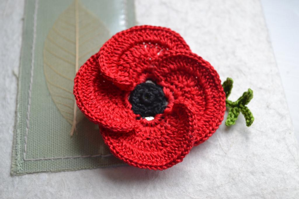 Crocheting Facts : This easy pattern is only a guide as long as your poppy is no more ...